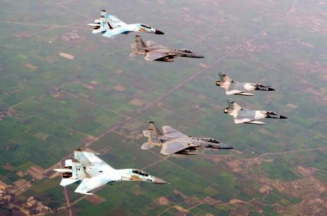84 aviões F-15 e a modernização de outros 70 aparelhos por US$ 80 bilhões. Operações semelhantes a esta com a Arábia Saudita são feitas pelos EUA em todo o mundo.